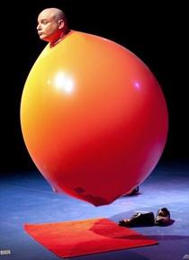 """Espectáculo de magia """"Willy Monroe: Magia y un montón de rarezas más"""""""