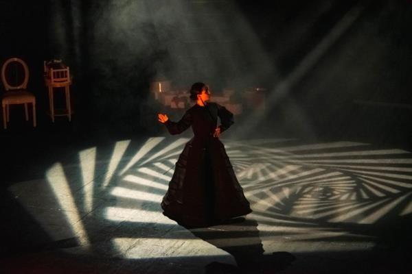 """Espectáculo de danza """"NORA"""" en el TEATRO RIGOBERTA MENCHÚ"""
