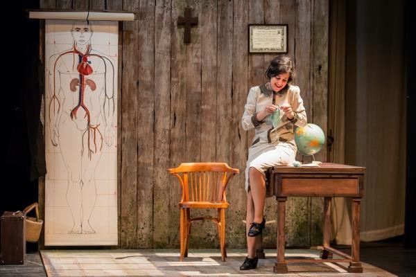 """Teatro """"HISTORIA DE UNA MAESTRA"""" en el TEATRO RIGOBERTA MENCHÚ"""