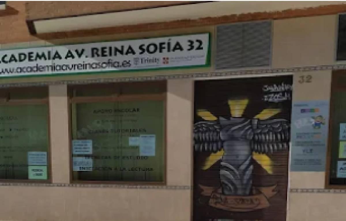 Academia avenida Reina Sofía