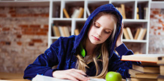 mary-and-english-ingles-idiomas-aprender-academia-escuela